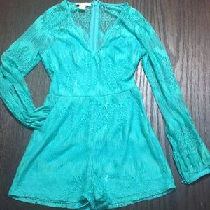 Arden B Cold Shoulder Lace Romper NWOT